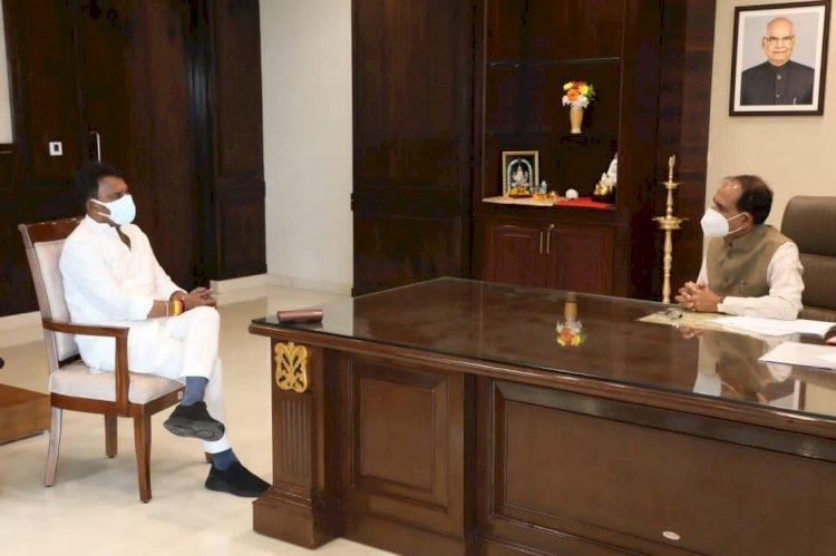 इंदौर . मुख्यमंत्री शिवराज सिंह चौहान ने आम जनता , जनप्रतिनिधि, और सभी संस्थाओं को दी शुभकामनाएं -
